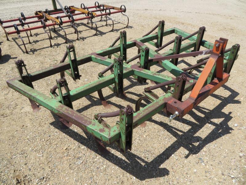 John Deere 7.5' 3 Point Field Cultivator