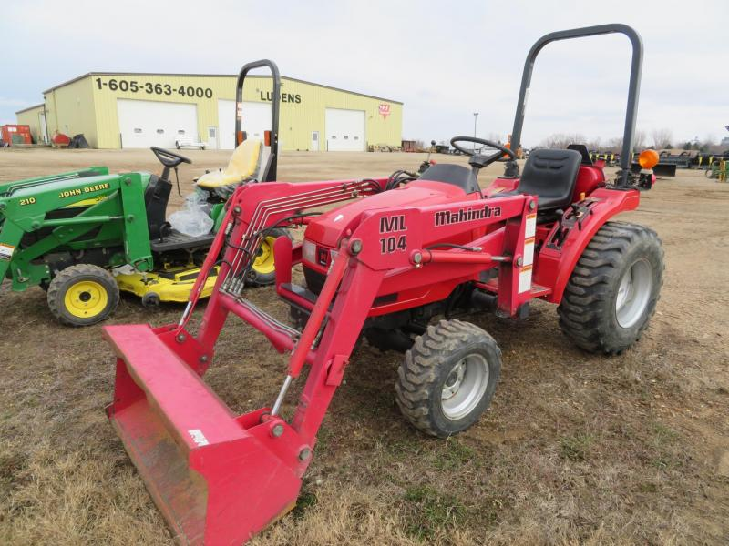 Used Mahindra 2015 Compact Loader Tractor
