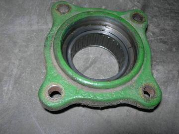 Used John Deere - Gearbox Cap by Slip Clutch for 40 Series Cornhead AN10251
