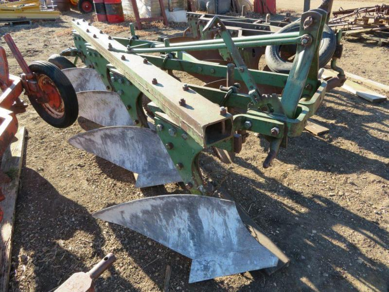Used John Deere 4 Bottom Plow - 3 Point