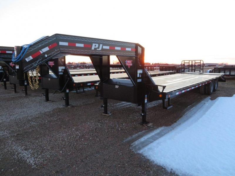 2019 PJ Trailers 30 Low Profile Tandem Dual  GN Equipment Trailer