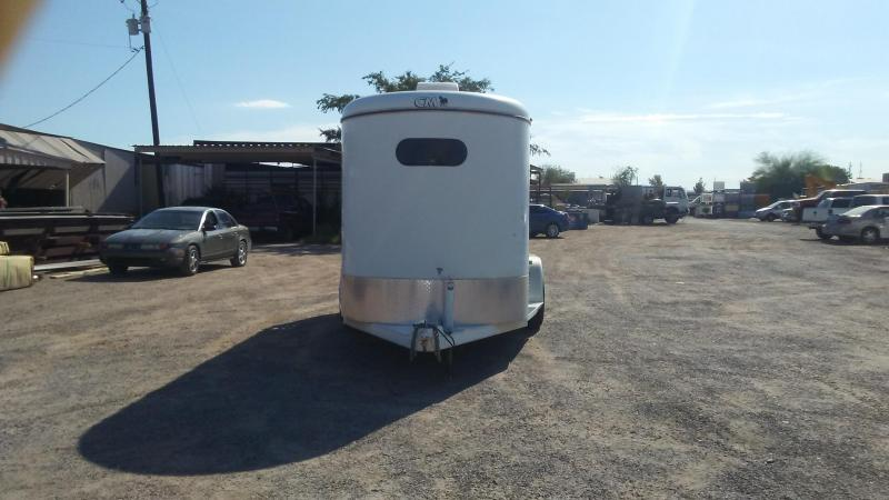 2002 CM DAKOTA III W/ DROP DOWN FEED DOORS Horse Trailer