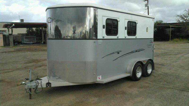 2008 CLASSIC 2H MONARCH BP HORSE TRAILER LOADED