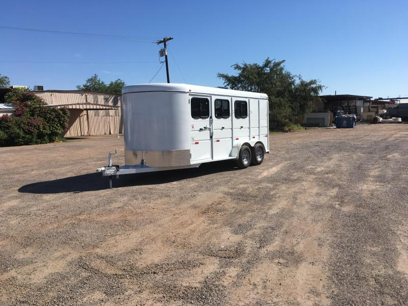 2016 TITAN EQUINE PRO III BP W/ DROP DOWN FEED DOORS