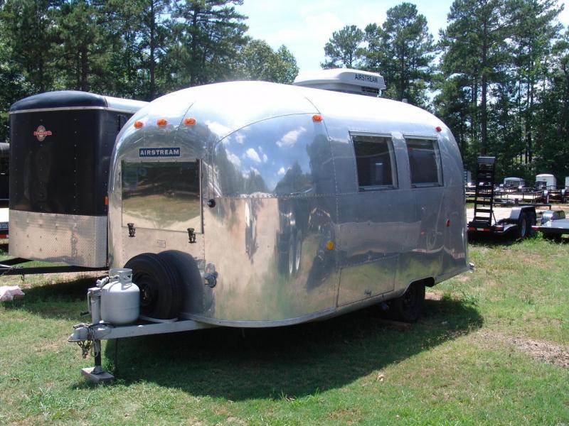 1968 Airstream land yacht caravan Camping / RV Trailer
