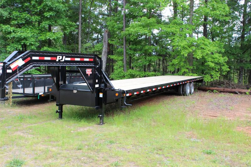 PJ TRAILERS 8X40 FLATDECK WITH DUALS VIN#4P5FD4023D3002777 ******ELECTRIC /HYD DISK BRAKES ******GOOSENECK 2-10000# AXLES STRAIGHT DECK WITH 8' SLIDE IN RAMPS