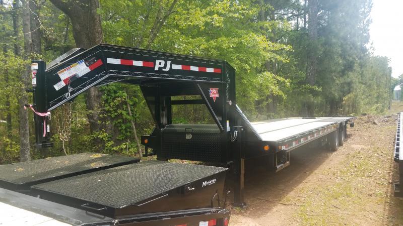 2019 PJ Trailers LY34 Equipment Trailer