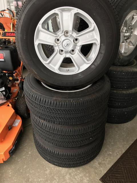 2015 Toyota 5 Lug Tundra Wheels Truck