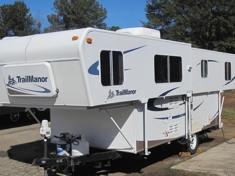 2009  Trail Manor 2720