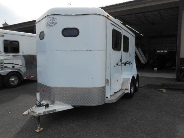 2007 Bee Trailers 2H BP Horse Trailer