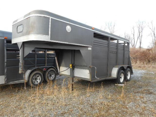 1999 Big Valley 12 GN Stock Horse Trailer