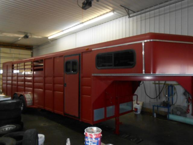 2011 Ranch King 4H 5 SW Horse Trailer