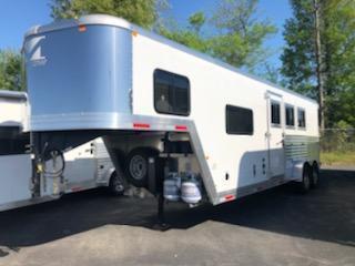 2019 Merhow 7307 N/S Horse Trailer