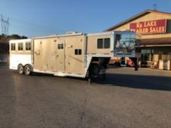 2011 Lakota Trailers 8311-Slide Charger Horse Trailer