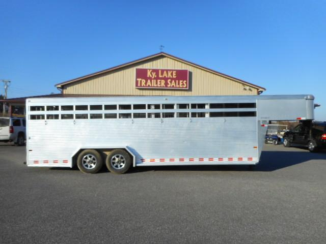 2015 Sundowner  24' Livestock Trailer