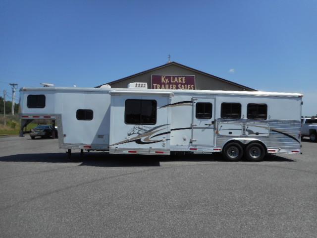 2007 Bison 8314 Horse Trailer