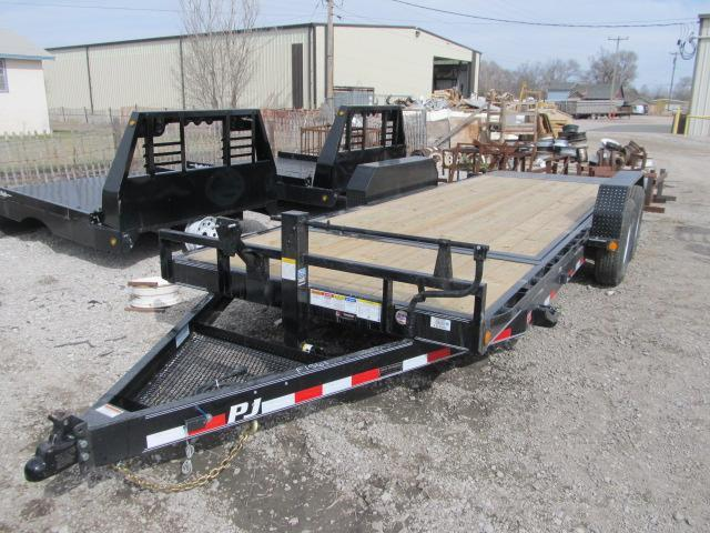 "2020 PJ Trailers 83"" x 20 Tilt Car Hauler"