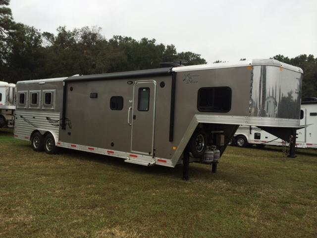 2015 Merhow Trailers 8 wide 3 horse with 12' lq and slide Horse Trailer