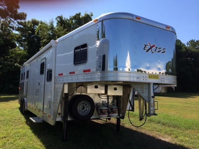 2015 Exiss 8 wide 3 horse with 10' lq and slide out Horse Trailer
