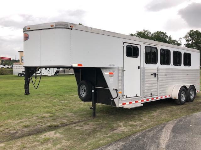 2013 Sundowner Trailers 4 horse w/dressing room Horse Trailer