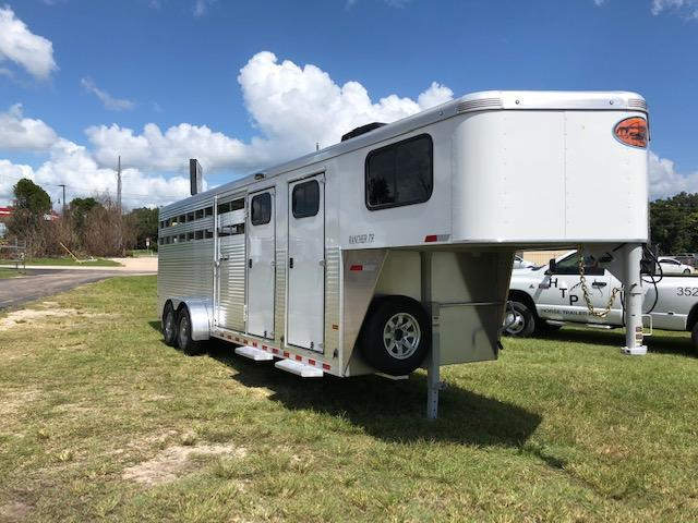 2018 Sundowner Trailers Rancher stock w/ midtack and dressing room Horse Trailer