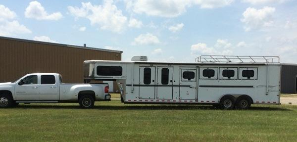 2006 Sundowner Trailers 4 horse gooseneck with midtack Horse Trailer