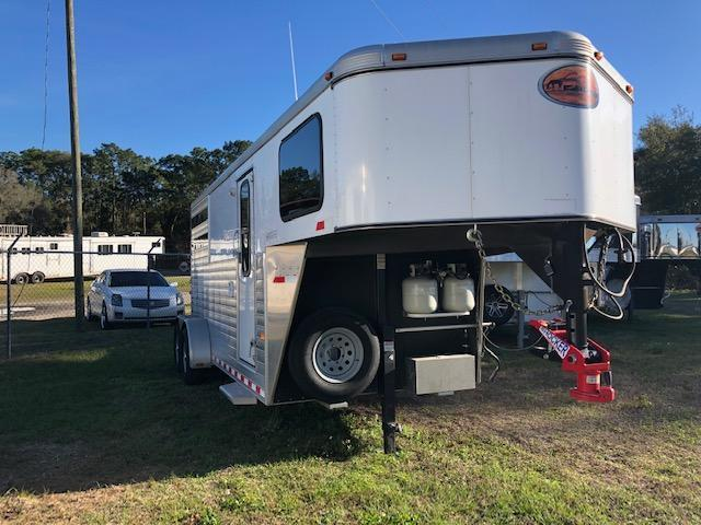 2014 Sundowner Trailers 2 horse with 6 lq Horse Trailer