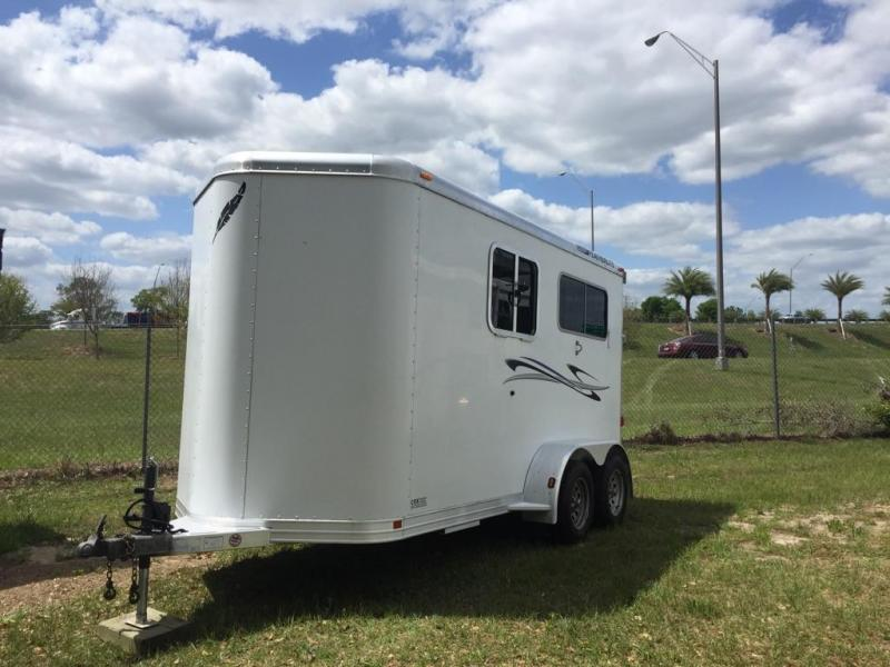 2004 Featherlite 2 horse straight bumper pull Horse Trailer