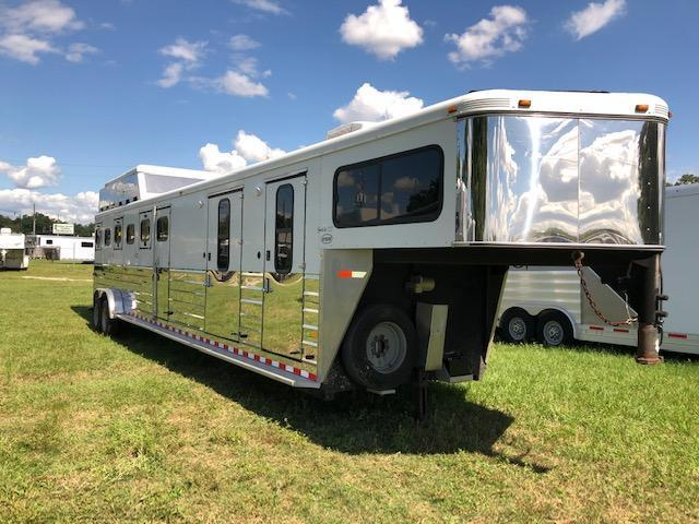 2005 Sundowner Trailers 6 horse 8 wide with pod midtack Horse Trailer