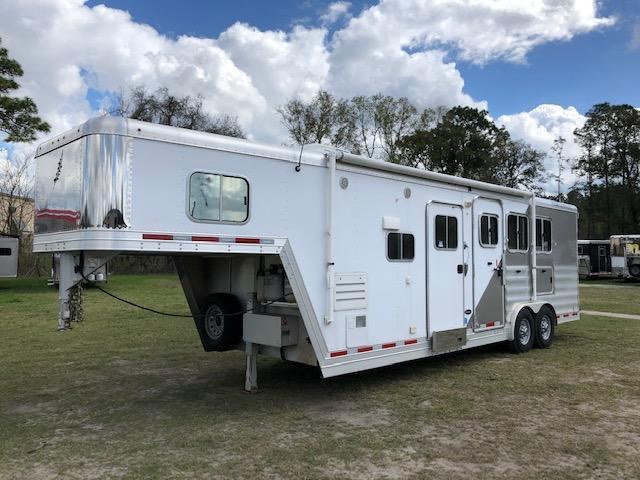 2013 Featherlite 8 wide 3 horse w/10