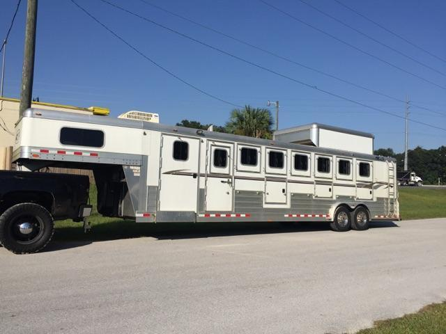 2008 4-Star Trailers 7 horse 8wide gooseneck with upgrades Horse Trailer