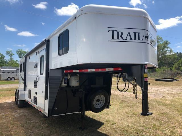 2017 Bison Trailers 2 horse with 8' lq Horse Trailer