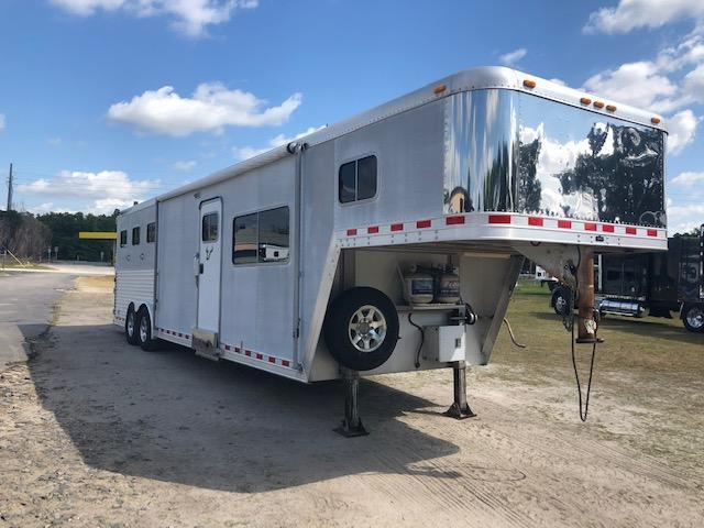 2000 Featherlite 8 wide 3 horse w/14lq Horse Trailer