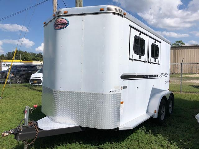 2005 Sundowner Trailers 2 horse slant with dressing room Horse Trailer
