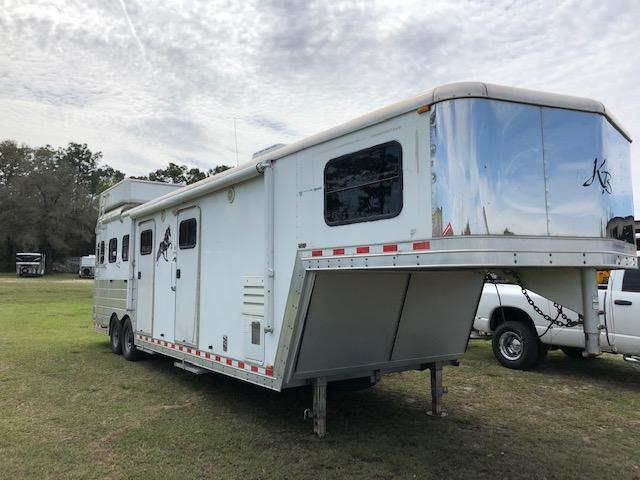 2004 Kiefer Built 8 wide 3 horse w/11 lq&midtack Horse Trailer
