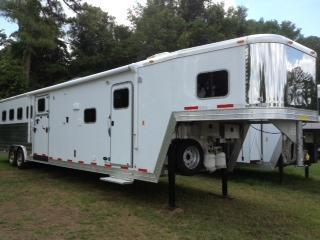 2015 Exiss 8 wide 4 horse side ramp w/16' lq Horse Trailer