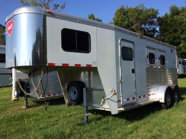 2011 Hart Trailers 2horse slant with 6sw dressing room Horse Trailer