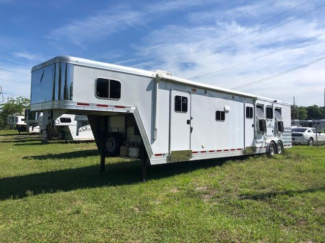 2015 Featherlite 8 wide 3 horse w/14lq midtack Horse Trailer