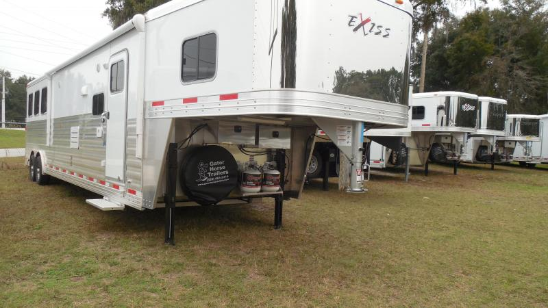 2015 Exiss 8 wide 3 horse w/16' lq and slide Horse Trailer
