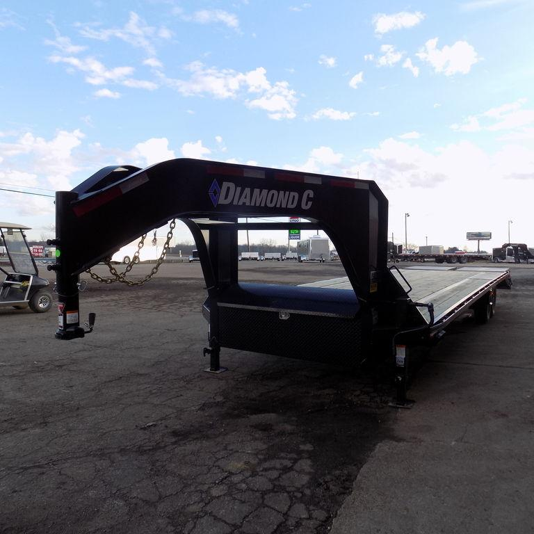 "New Diamond C 102"" x 30' Gooseneck Trailer"