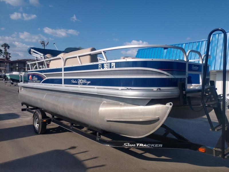 2015  Suntracker FISHIN BARGE 20 DLX