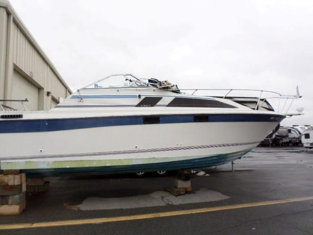 1985 Brunswick Boat Group Bayliner 2750 SUNBRIDGE