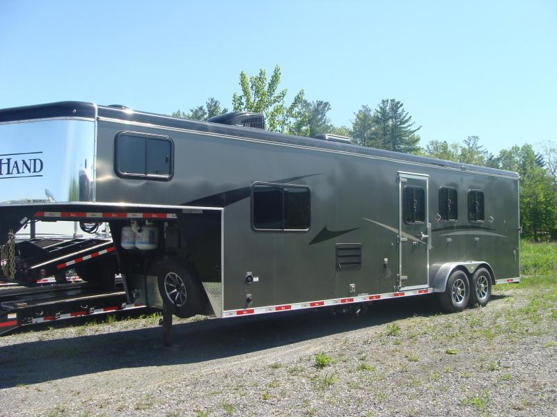 2019 Bison Trailers 7311TH Horse Trailer