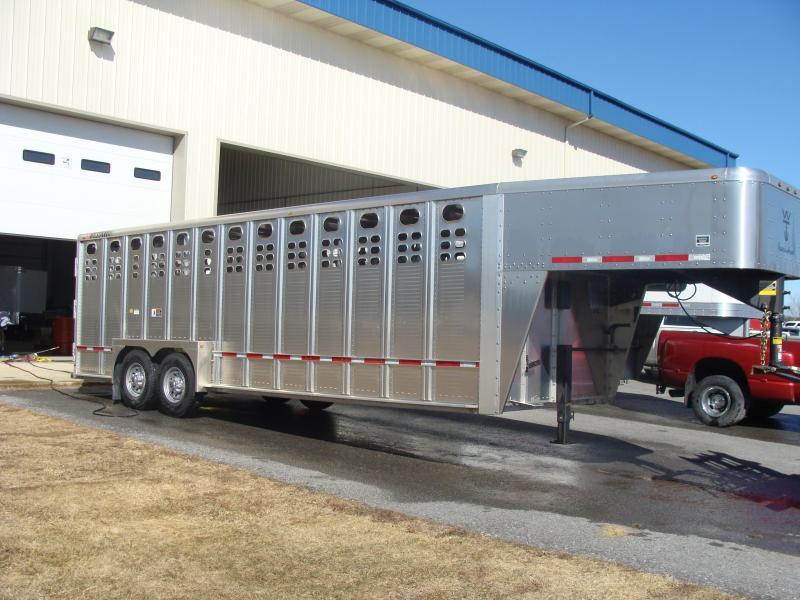 2018 Wilson Trailer Company 24 GN STOCK Livestock Trailer