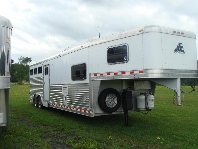2007 Elite Trailers 3 HORSE WITH 11 LQ Horse Trailer