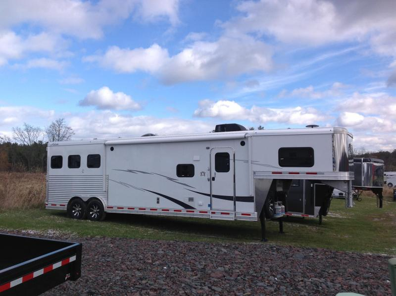 2019 Adam 3H 14 SHORT WALL Horse Trailer