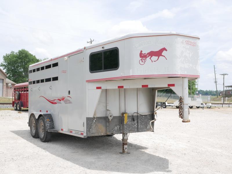 2004 Titan Trailers 16 3 Horse Slant Livestock Trailer
