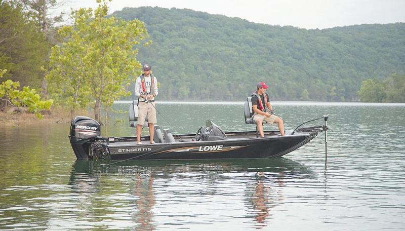 2016 Lowe ST175 17' - Bass Boat