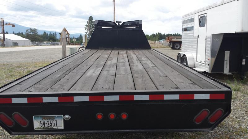 2006 Paiute Trailers Worrier GN20 Equipment Trailers