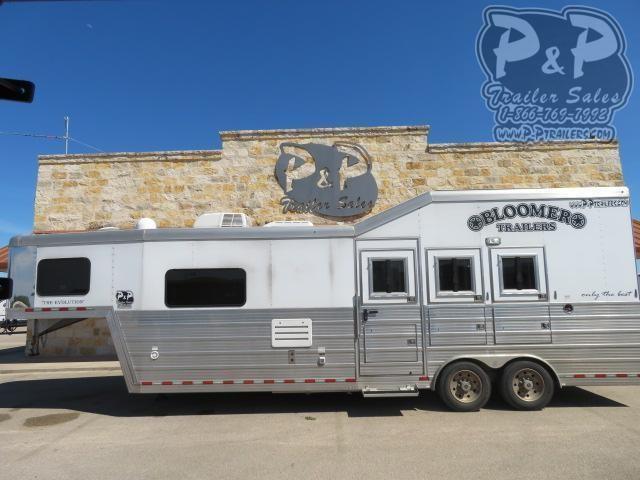 2014 Bloomer Outlaw Proline 3 Horse Slant Load Trailer 10 FT LQ